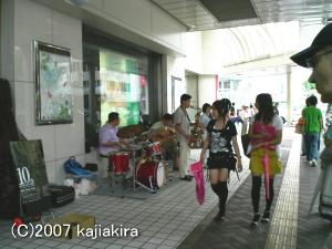 新潟ジャズストリート200707-新潟三越前にて
